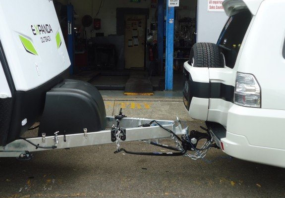 caravan towbar with sway bars installed 01